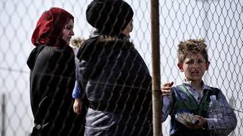 Újabb afgán menekültet éheztettek a tranzitzónában