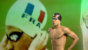 A francia úszóbajnokság szépségversenynek is beillett
