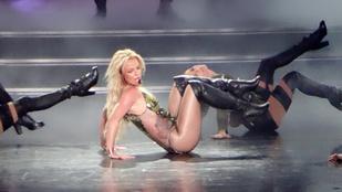 Britney Spears rég volt ekkora szexistennő