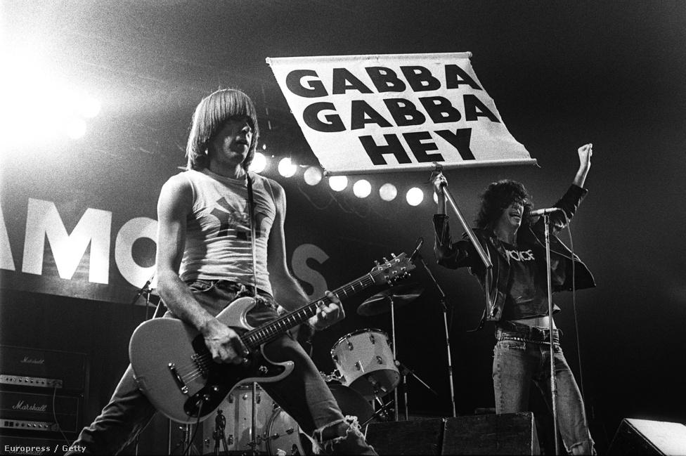 """Karrierje során több védjegye is volt a Ramonesnak, mint az állandó beszámolás a számok között, de ilyen volt a Gabba Gabba Hey is. 1976-ban már turnézott is a Ramones, de az egyik ohiói helyszínen elmaradt a fellépésük a rossz idő miatt. Helyette elmentek együtt a moziba megnézni a Szörnyszülöttek c. 1932-es horrorfilmet, aminek egyik jelenetében a fellázadó a szörnyszülöttek a következő mondatot kiabálták: """"We accept you, one of us, Gooble Gooble"""". Innen jött végül a Gabba Gabba Hey, amit aztán a rajongók is átvettek a zenekartól. Ez a film és jelenet inspirálta egyébként a második albumukon megjelenő Pinhead c. számukat is."""