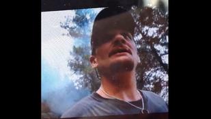 Szelfizett az erdőtűzzel, amit okozott, majd megmutatta egy tűzoltónak