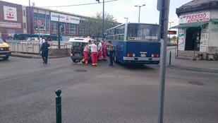 A zebrán gázolt el egy gyalogost egy BKV busz