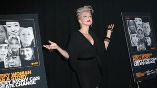 Cyndi Lauper a maga módján áll ki a transzneműek oldalán