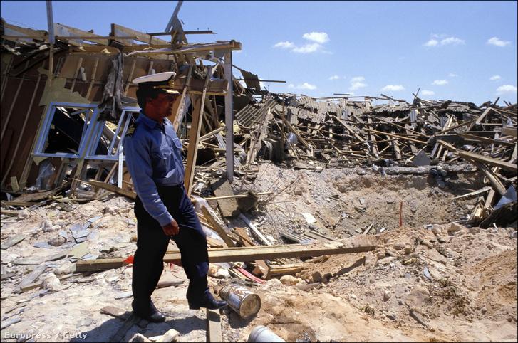 Tripoli romjai 1986. április 20-án, az amerikai bombázások után.