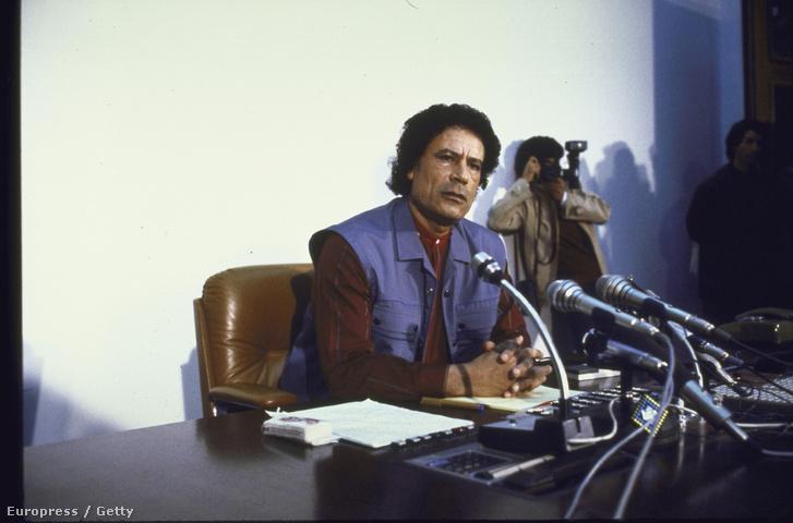 Kadhafi 1986-ban egy sajtótájékoztatón.