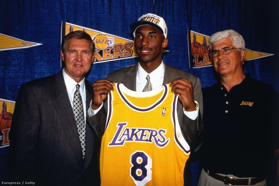Kobe Bryant volt az NBA történetének első olyan játékosa, akit egyenesen a középiskolából vitt el egy profi csapat. Elájultak tőle, hogy tizenhét évesen miket tud. Az 1996-os draft első körének tizenharmadik helyén drafolt Bryant a bajnokság történetének legfiatalabb pályára küldött kosarasa és kezdője is lett nem sokkal később a Los Angeles Lakersnél. Az egyetemi éveket kihagyta, emiatt nem ment neki gördülékenyen a beilleszkedés a profik között, nehezen nyílt meg csapattársai felé.
