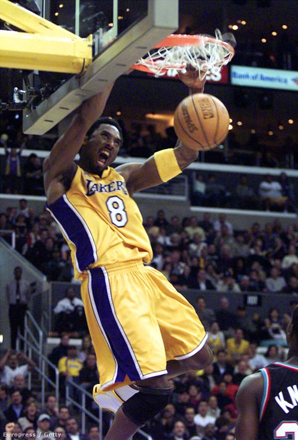 Brian Shaw a Lakers edzőjeként dolgozott Phil Jackson irányítása alatt, ő mesélte el egyszer egy helyi lapnak, hogy mi történt egy Dallas elleni meccsen, amikor Bryant már 62 pontnál járt, és simán vezettek. Jackson odaküldte Shaw-t a sztárkosarashoz, hogy kérdezze meg, nem akar-e 70 pontot szerezni, mert akkor visszaküldi a pályára. Bryant viszont nem akart már játszani többet, azt mondta, majd akkor játszik, ha igazán szükség lesz rá. Shaw elég ideges lett, mivel csak nagyon kevés kosaras tud 70 pontot szerezni egy meccsen, nem értette, legjobbjuk miért nem próbálja meg. Kobe három héttel később a Toronto Raptors ellen 81 pontot dobott.