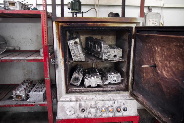 Hegesztés előtt legalább 200 fokra kell melegíteni a hengerfejeket