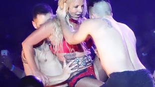 Itt belehallgathat Britney Spears új dalába
