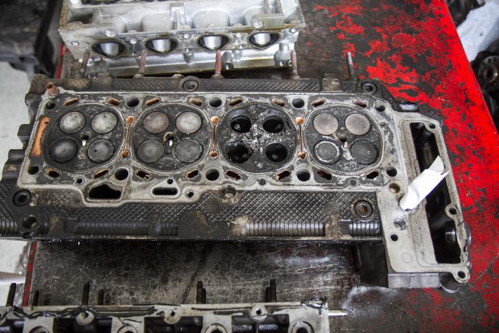 Három literes Iveco: mind a négy szelep leszakadt