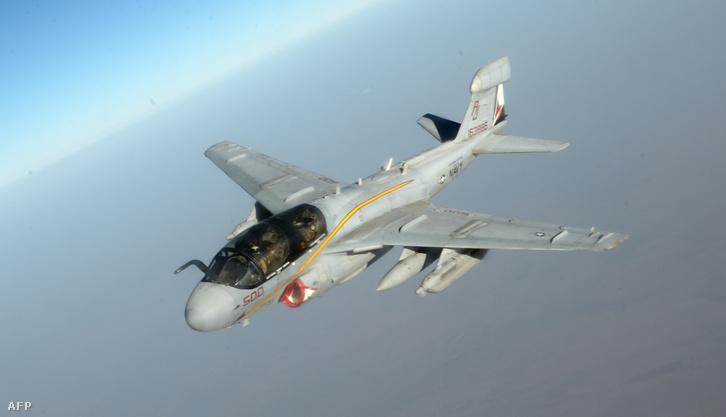 Az amerikai légierő EA-6b Prowler típusú gépe.