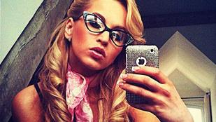 Így nézett ki Sáfrány 'Aleska' Emese 2012-ben, szőke hajjal