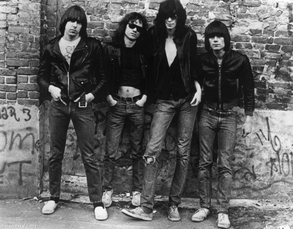 A zenekar eredetileg olyan borítót akart, mint az 1964-es Meet the Beatles!, de hiába fizettek ki kétezer dollárt a fényképekért a kiadó nagyon elégedetlen volt a végeredménnyel. Később találkoztak Roberta Bayleyvel, aki eredetileg a Punk Magazine-ban jelentette meg ezt a képet, amit aztán potom 125 dollárért megvett a Sire, és végül ezt használták fel borítóként. A többi már történelem.