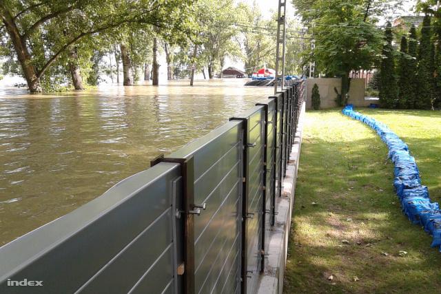 Mobilgát a Rómain a 2013-as árvíz idején