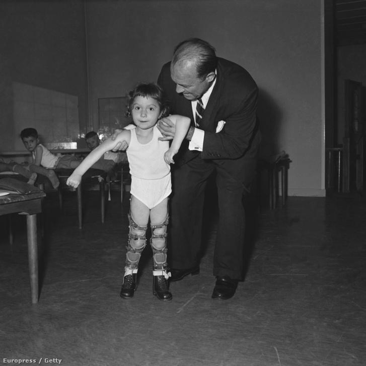 1956: egy rehabilitációs központ Franciaországban