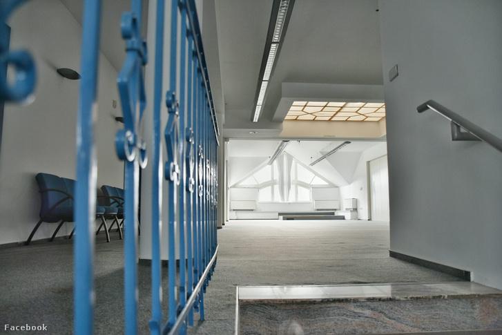 ABudai Gyermekszem.Pont Általános Iskola új épülete belülről
