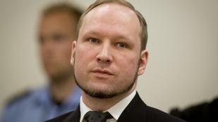 Pert nyert Breivik, a tömeggyilkos, jobb körülmények között kell tartani