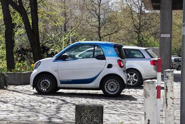 Bármerre indulunk, pár percen belül ott egy carsharinges Smart