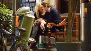 Kate Moss és új pasija eléggé egymásra vannak gyógyulva