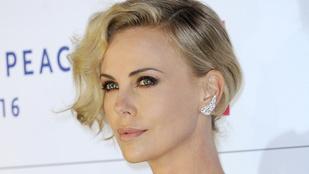 Charlize Theron: Úgy bánnak a nőkkel, mint a hervadt virágokkal