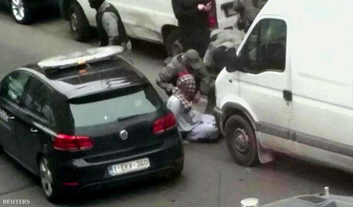Salah Adbeslam elfogása brüsszelben, 2016. március 18-án.