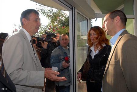 Nyirati István a Pécsi Vízmű Zrt. vezérigazgatója tárgyal Winkler Tamással a Tettye Forrásház Zrt vezérigazgatójával