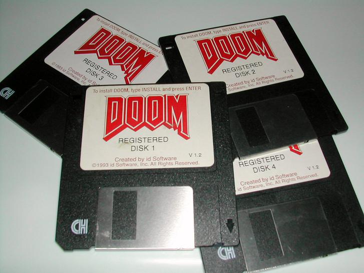 A Doom eredeti telepítő floppy lemezei