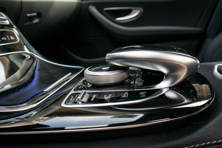 """A """"Legdizájnosabb tekerőgomb a német autóiparban"""" vándorserleg várományosa"""