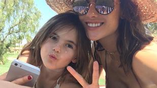 Alessandra Ambrosio csodálatosan klónozta magát
