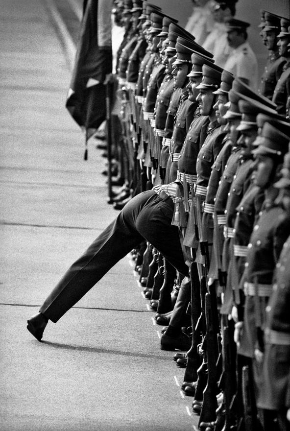 1989.07.11. Budapest                         George Bush amerikai elnök üdvözlésére felsorakozó díszszázad.