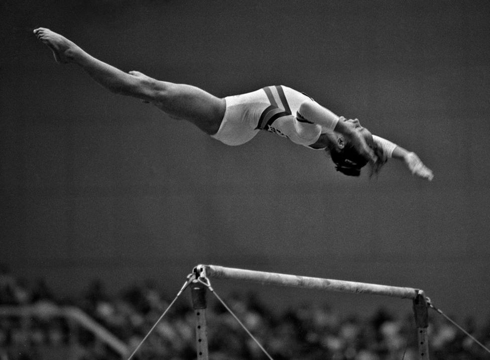 1983.10.23.                         Tornász világbajnokság Budapesten. A román Szabó Kati gyakorlata.