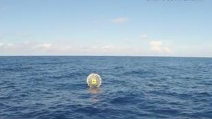 Gondolta, egy buborékban jó lesz az óceánon futni, aztán nem lett jó