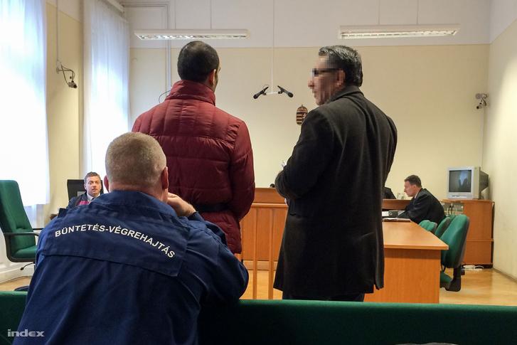 Terrorcselekmény bűntette és más bűncselekmény ügyében tárgyal a Szegedi Törvényszék. (A Röszke-Horgos közúti határátkelőhelyen 2015. szeptember 16-án elkövetett bűncselekménnyel vádolt Cipruson élő szíriai férfi ügye.)