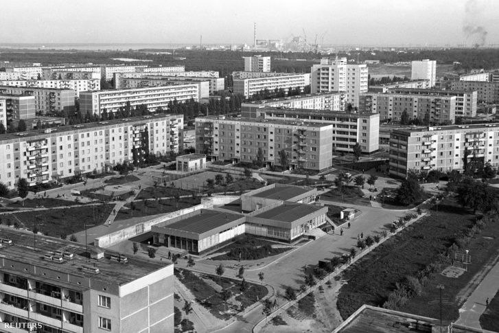 A csernobili katasztrófa miatt szellemvárossá vált Prypyat látképe.