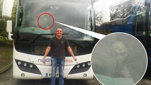 Földönkívüli trollkodott bele az apuka buszos fotójába
