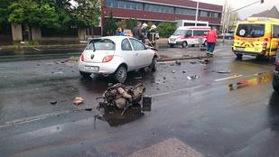 Igen, az a motor egy autóból szakadt ki