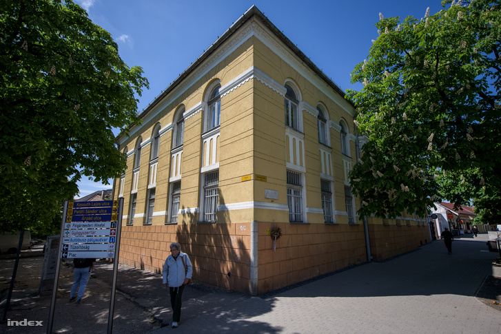 A sümegi John Henry Newman Oktatási Központ épülete.
