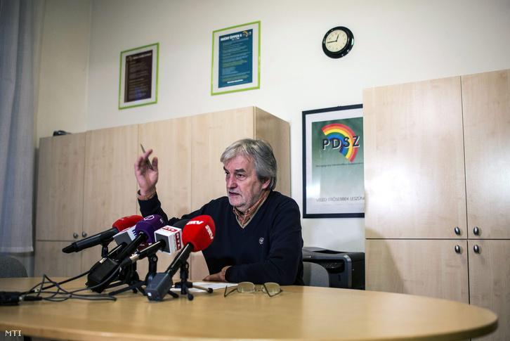 Mendrey László a Pedagógusok Demokratikus Szakszervezetének elnöke.