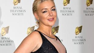 A BAFTA-díjas színésznő annyira részeg volt, hogy inkább félbeszakították az előadást