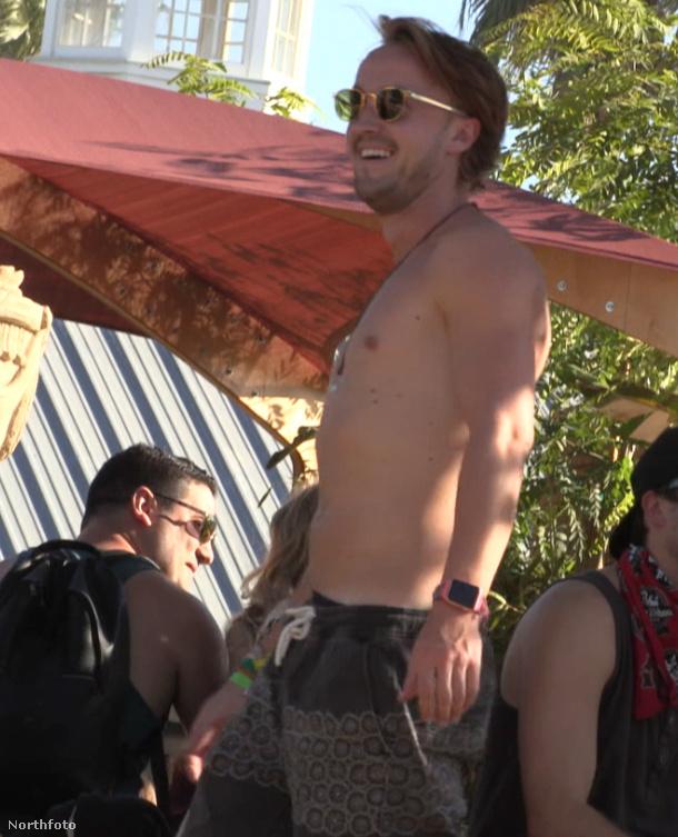 Draco Malfoyt játszotta a Harry Potterben, most a Coachella fesztiválon bulizik haverokkal