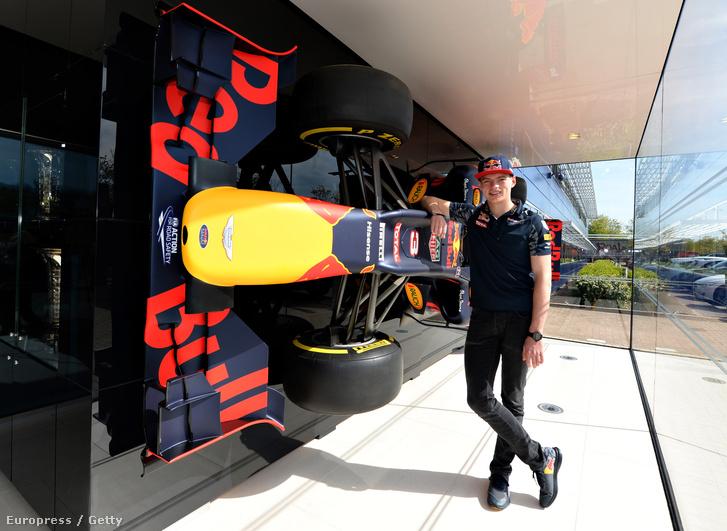 Verstappen csütörtökön, a Red Bull Racing Milton Keynes-i központjában