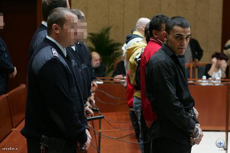 A tárgyalás kezdetére várnak a vádlottak