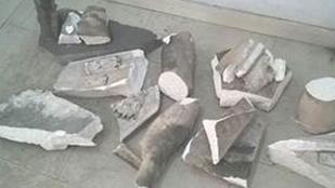 Szelfizés közben zúzott össze egy 126 éves szobrot