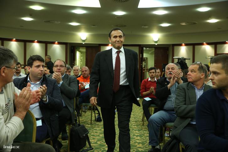 Gyárfás Tamás elnök a Magyar Úszó Szövetség (MÚSZ) éves rendes közgyűlésén a margitszigeti Thermal hotelben 2016. április 24-én.