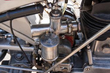 Amal a karburátor