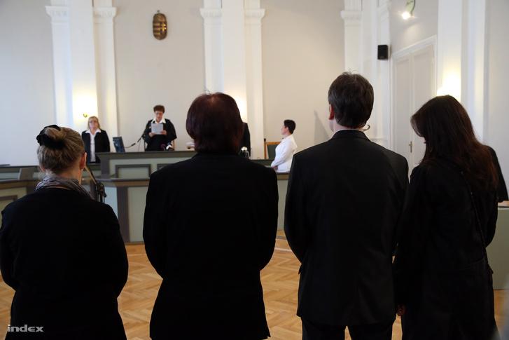 Ítélethirdetés a székesfehérvári bíróságon.