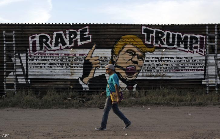 Trumpot ábrázoló graffiti az amerikai-mexikói határon felhúzott falon