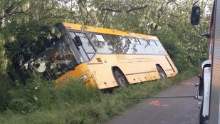 Busz vs furgon: 9 sérült