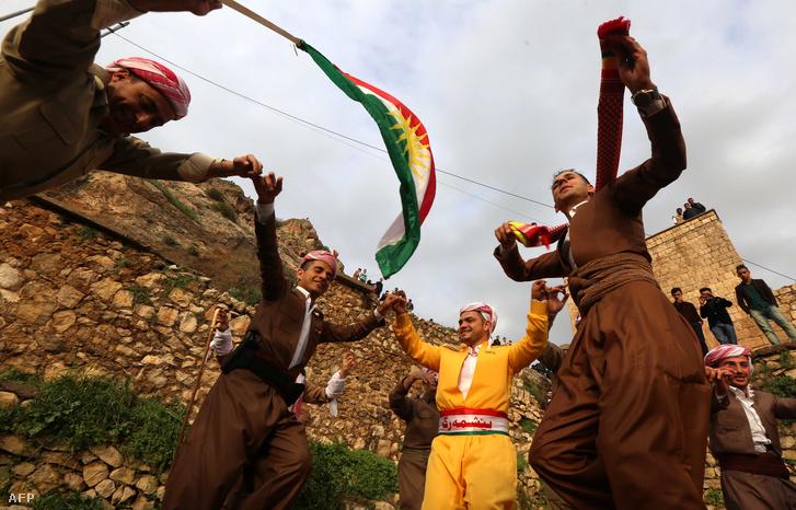 Iraki kurdok Akra városában