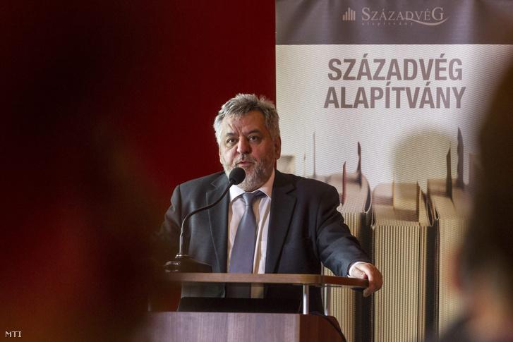 Lánczi András a Századvég Alapítvány elnöke az alapítvány Public diplomacy - Magyarország új kapcsolati utakon című konferenciáján a budapesti Károlyi-Csekonics Rezidencián 2015. március 4-én.